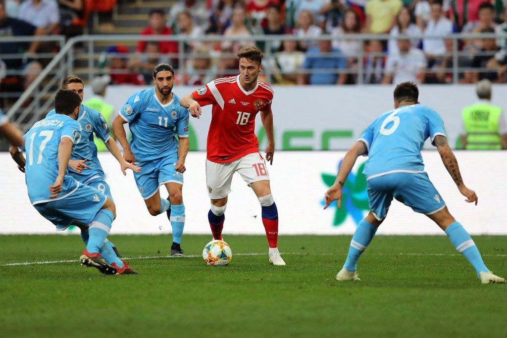 Антон Миранчук забил свой первый гол за сборную России