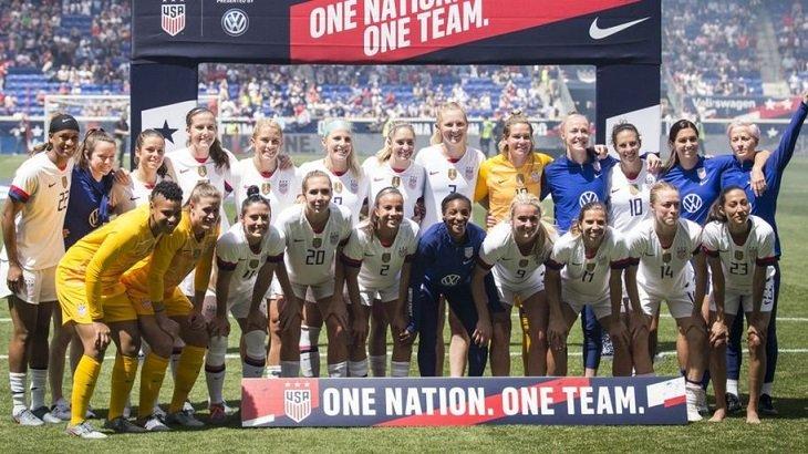 Женская сборная США против гендерного неравенства в зарплате