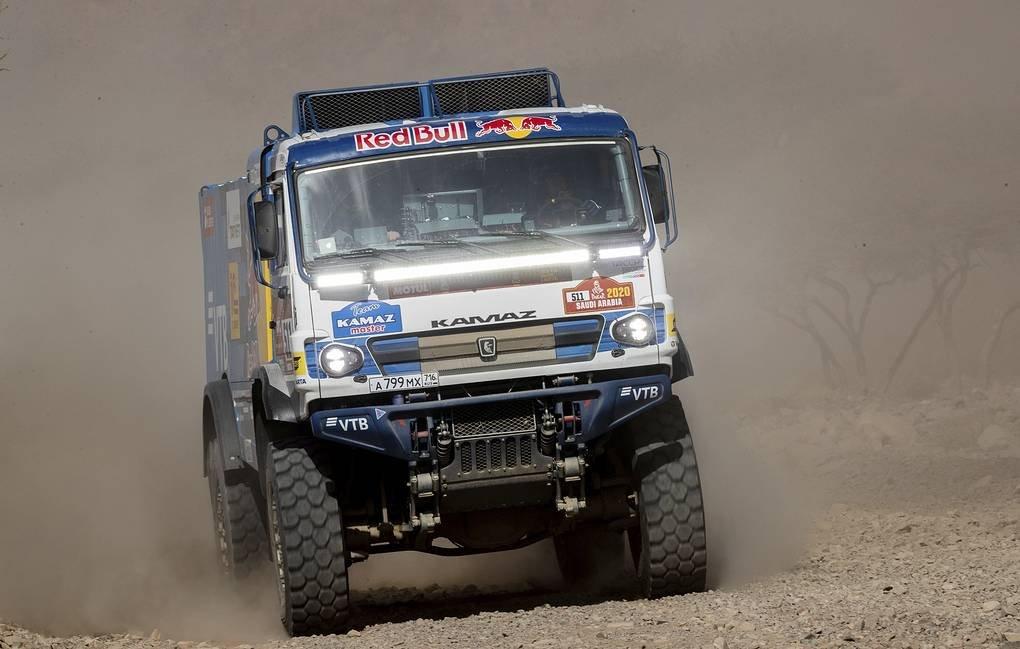 Экипаж Каргинова стал победителем шестого этапа ралли «Дакар»