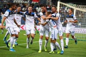 Гол Малиновского принес «Аталанте» победу в матче с «Ювентусом»