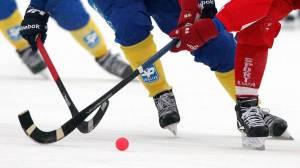 """Хоккей с мячом. """"Байкал-Энергия"""" одержал волевую победу над """"Водником"""", """"СКА-Нефтяник"""" повел в серии с """"Кузбассом"""""""