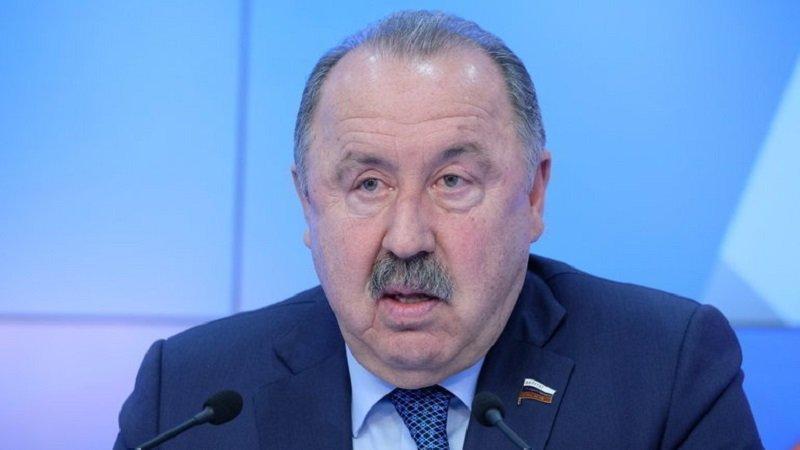 Валерий Газзаев