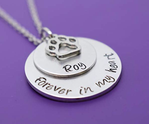 pet memorial jewellery as pet loss gift