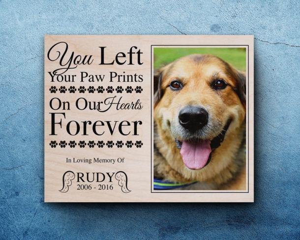 Pet memorial frames as pet loss gift