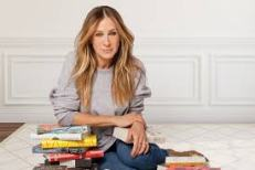 Sarah Jessica Parker reading books