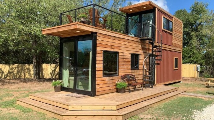 The Helm by Waco, Texas based Cargo Home Tiny Homes – Book ...
