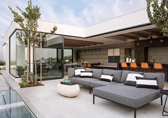 Harbor View Hills House, Corona Del Mar, CA by Eric Olsen Design