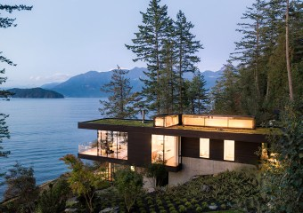 Bowen Island House, British Columbia, Canada by Office of McFarlane Biggar