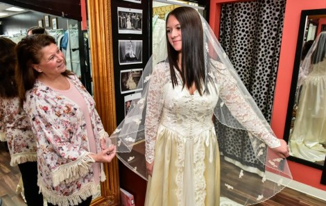 Bride dress third generation