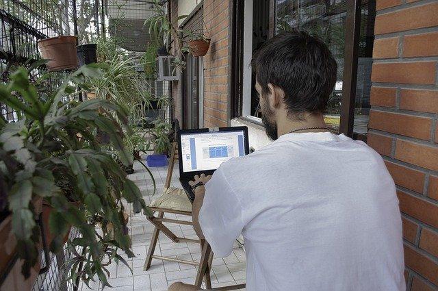 ricardo teixeira start to work in his balcony garage