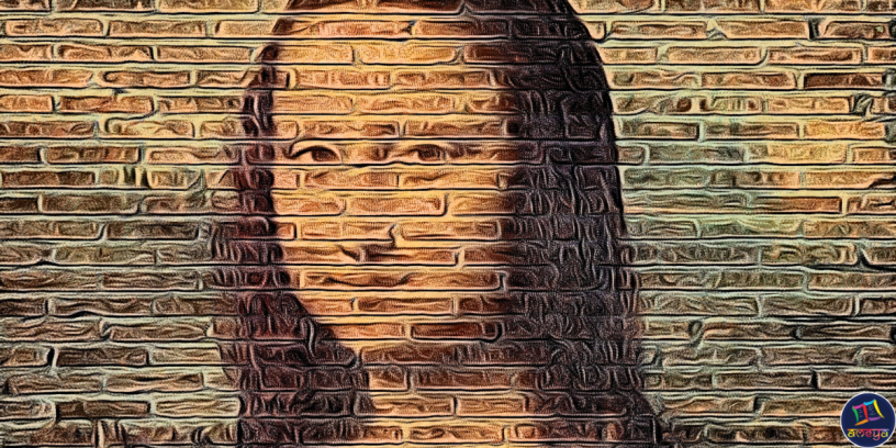 Mona Lisa is a poem about a woman whose identity has been limited to her beauty