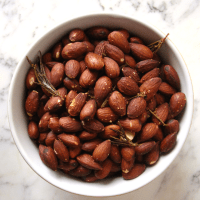 Roasted Almonds with Rosemary