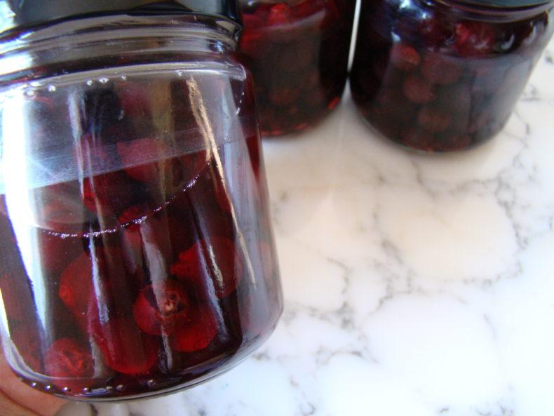 Easy Grapes Compote Recipe | booksandlavender.com