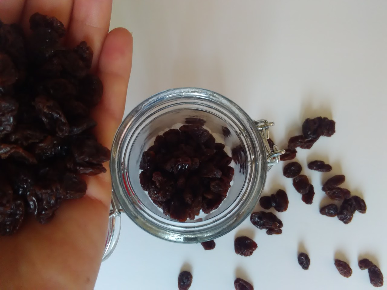 Amaretto-Soaked Raisins
