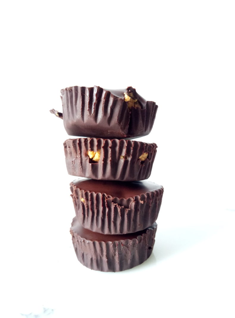 Homemade Peanut Butter Cups (3 ingredients!)