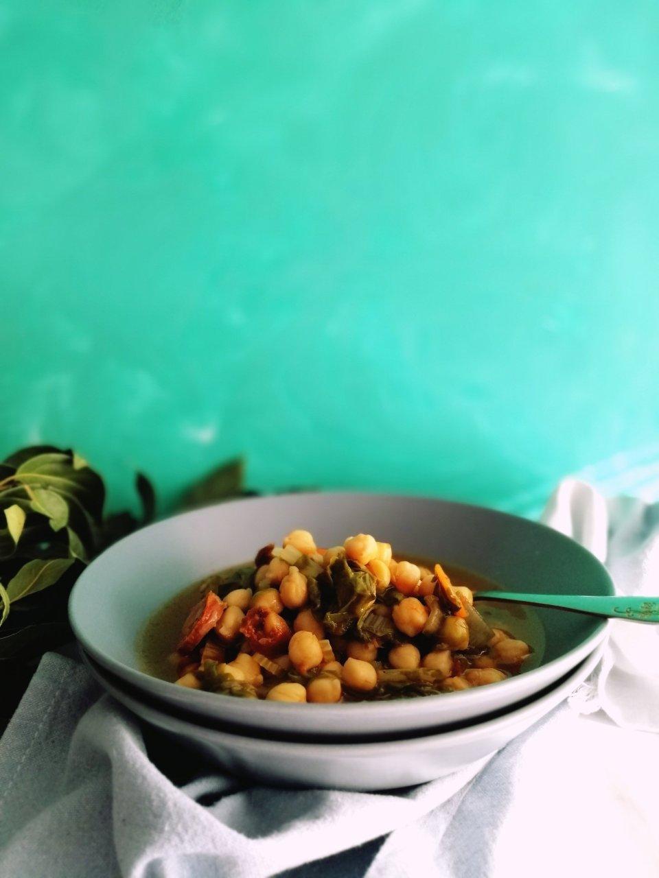 Spanish Chickpea Stew | booksandlavender.com