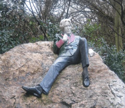 Statue of Oscar Wilde in Dublin, Photo from Chris Adamson