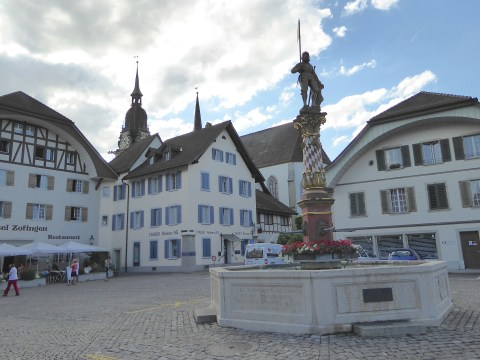 Photo 14: Statue of Niklaus Thut in Zofingen town square.