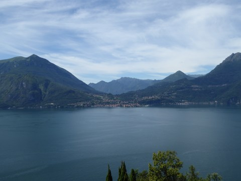 The town of Bellagio divides the lake into two parts, #2