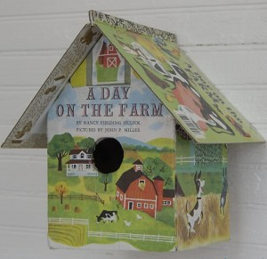 golden-book-birdhouse-2