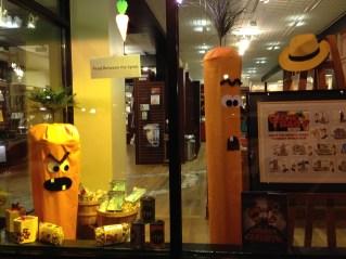 Halloween/Aaron Reynolds Display | Read Between the Lynes, Woodstock, IL