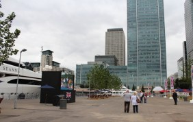Public viewing screen at Canary Wharf