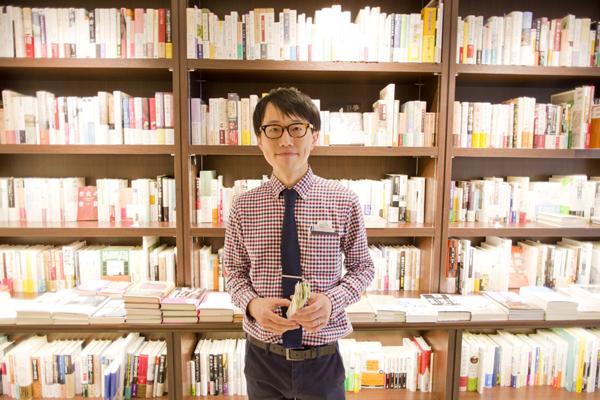 書店員に配る武器となるか? 『スリップの技法』出版直前のフリーランス書店員・久禮亮太さんの話を聴いてきた