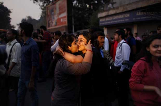 INDIA_KISS_PROTEST_2193499f