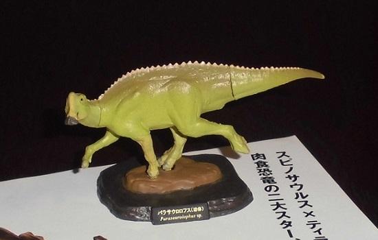 「恐竜博2016」で購入したフィギュア(パラサウロロフス)
