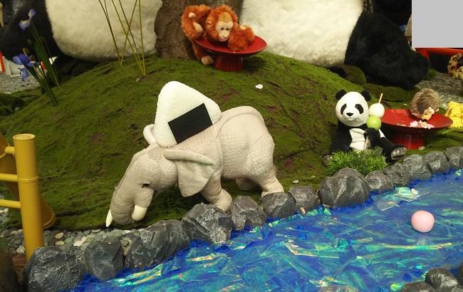 上野駅に溢れるパンダちゃん