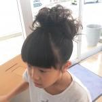 お子さんのヘアセット!!逆毛の毛束とラメスプレーが浴衣にも合う!