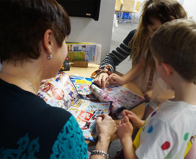 ToysRUs sampling in children's place