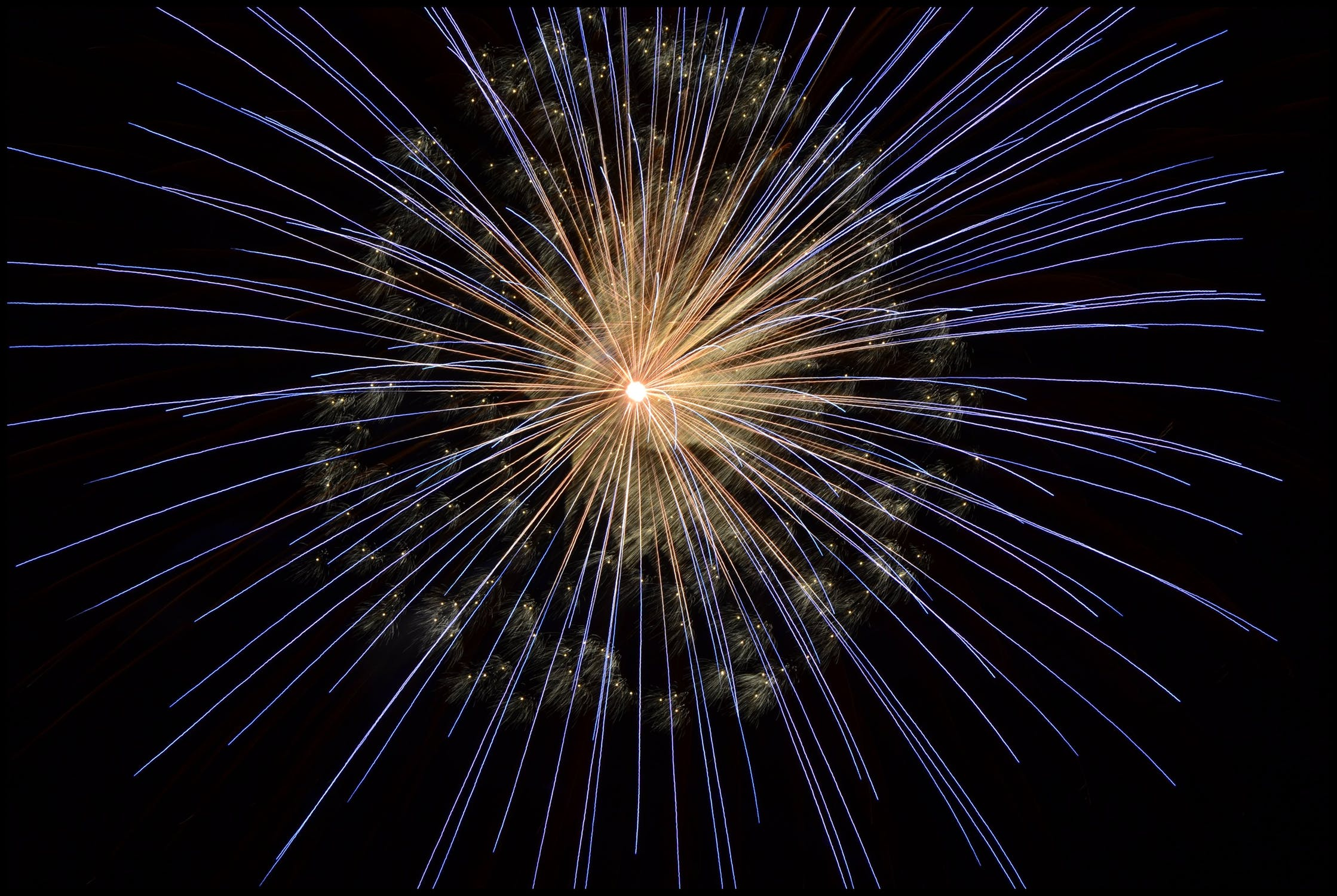 fireworks-new-year-s-eve-bright-light-67573