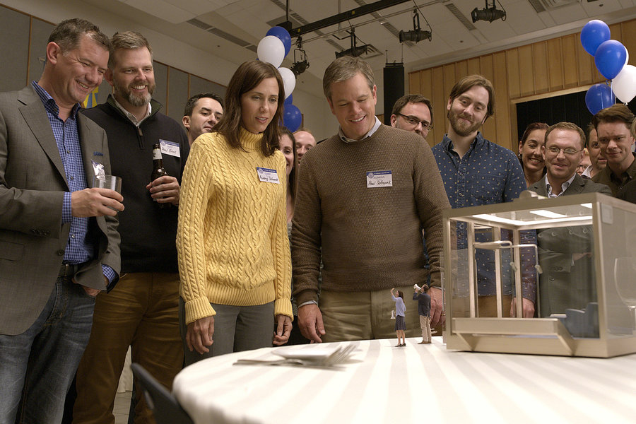 Kristen Wigg and Matt Damon in Downsizing