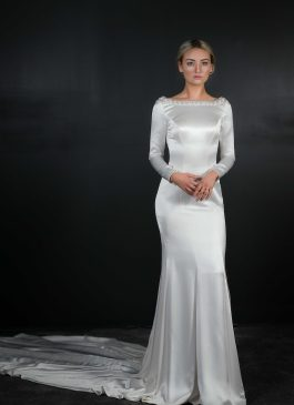 Bridal Designer Gowns and Accessories  f9c0eae48