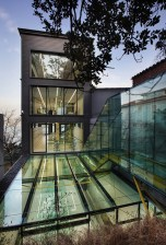 The Turkish studio Alatas Architecture & Consulting has converted a dark, narrow nineteenth-century house in Istanbul into a light office space with innovative use of glass | Courtesy Architonic