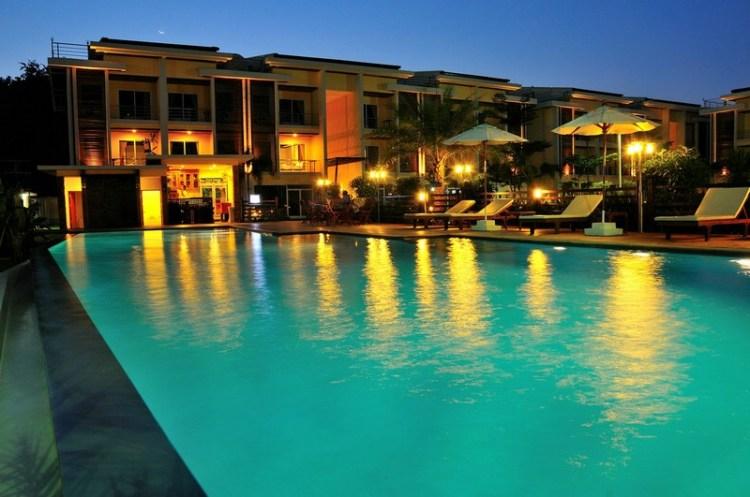 Boonjumnong-samui-night-pool