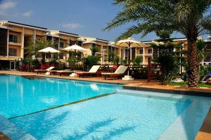 Boonjumnong-swimming-pool-tree