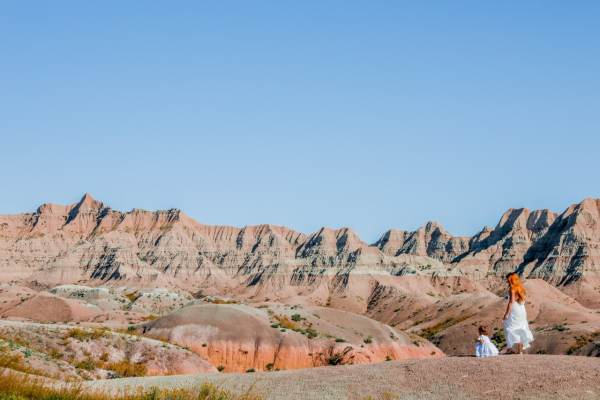 The Traveling Red and her daughter looking out at the painted hills