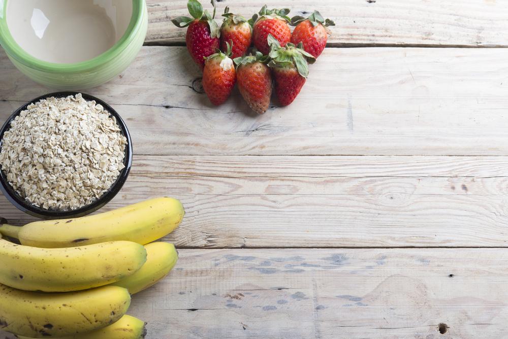 Colazione a basso impatto glicemico con avena e banana