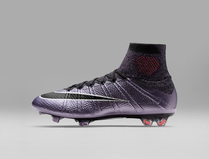 Nike_Football_LIQUID_CHROME_MERCURIAL_SUPERFLY_FG_641858_580_H_original