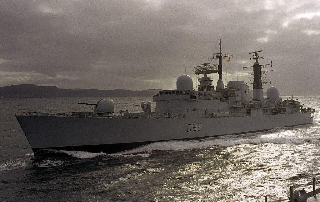 HMS Liverpool, D92, Royal Navy, Warship (1)