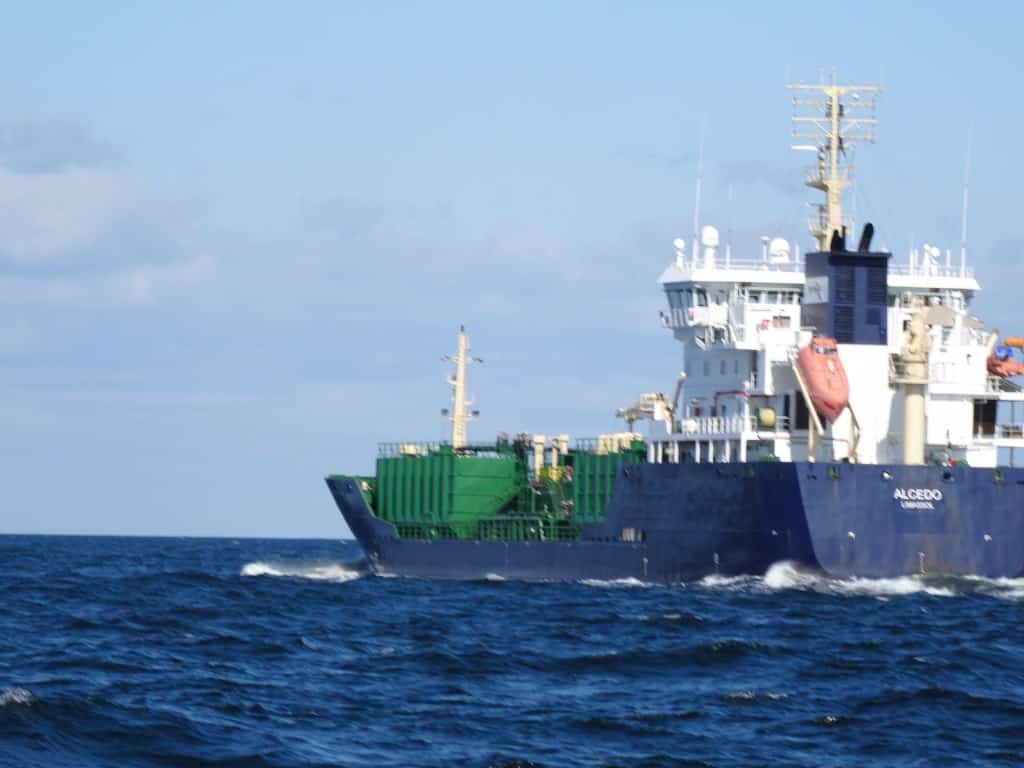Berufsschiff auf dem Weg nach Falsterbo