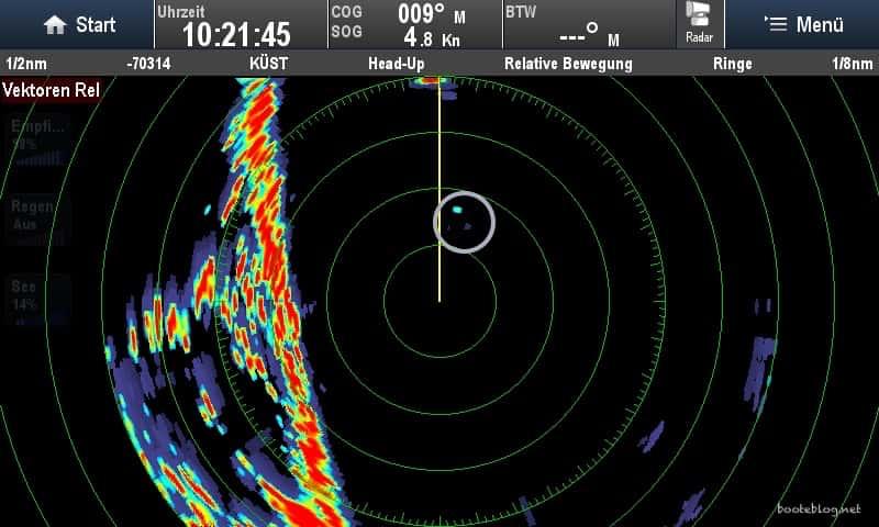 Das Fähnchen verursacht ein schwaches Echo - aber es wird auf dem Radar dargestellt.