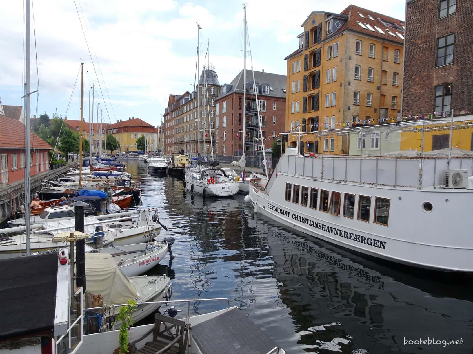 Ein Stück der Wilders Plads Marina bzw. Christianshavn. Eng und ohne Wendemöglichkeit.