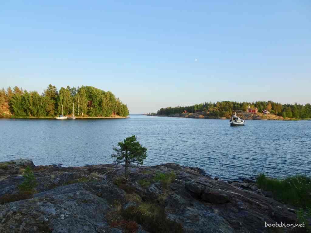 Eine Bucht irgendwo im Vänern: Reine Natur. Und abends völlig einsam.