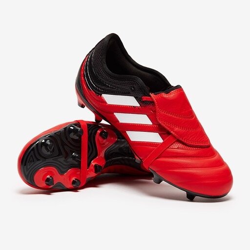 Aniquilar Dislocación Saco  Best football boots for midfielders by playstyle - Football Boots