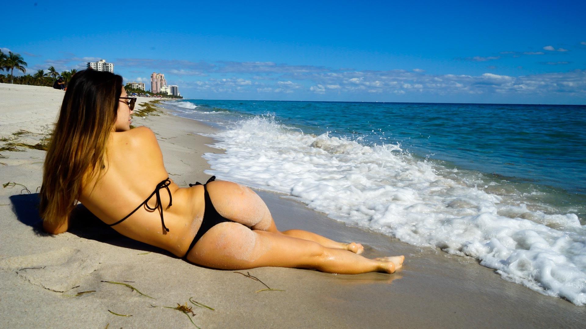 sexy bikini nsfw
