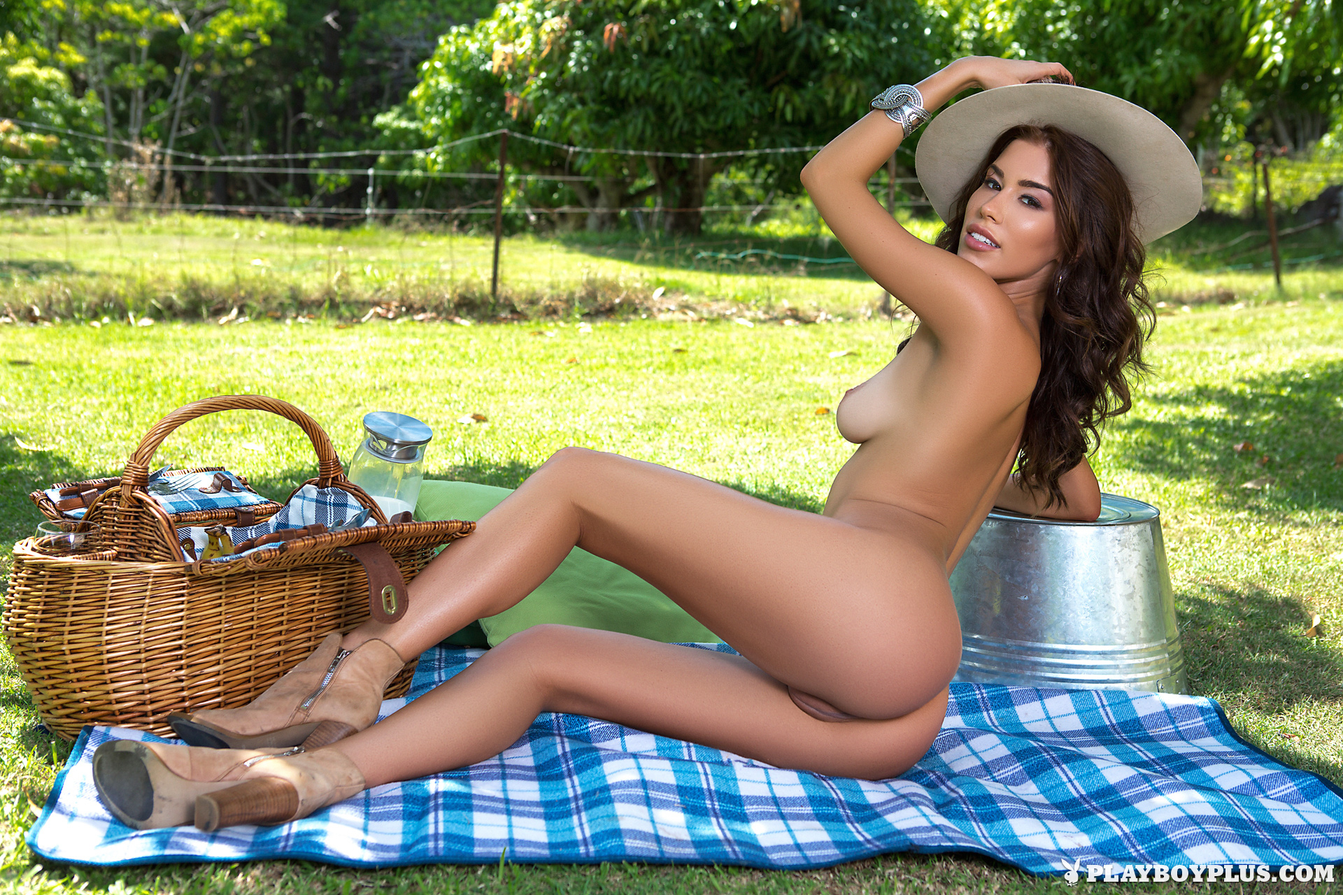 Sophie Anne  Sexy Picnic Nsfw  Bootymotiontv-6340