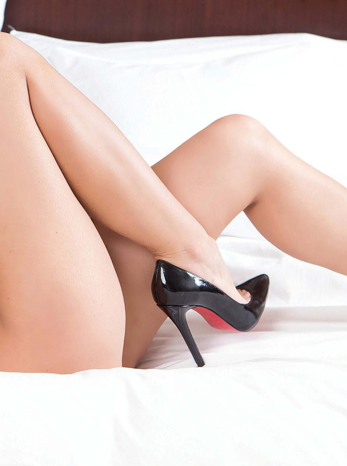 Kaska Kaminski On The Cover Of Playboy Magazine Nsfw  Bootymotiontv-2427